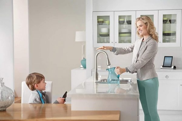 Moen Touchless One-Handle Pulldown Kitchen Faucet 4